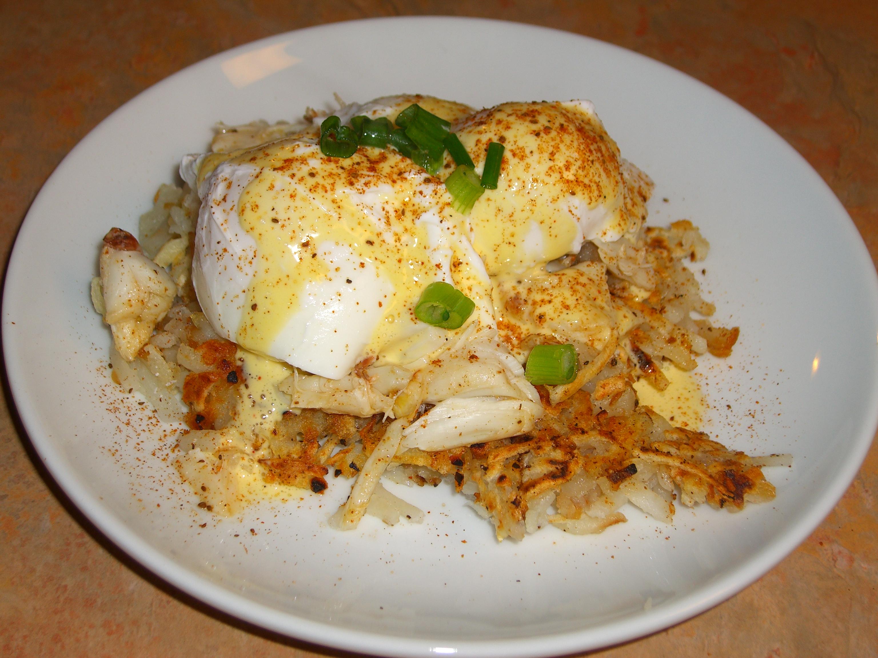 Old Bay Crab Eggs Bendict