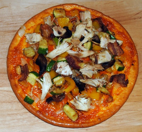 Majestic Garlic Chicken and Vegetable Pizza Recipe